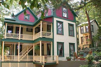 The-Peabody-House-Historic-Inn-and-Cottage-in-Eureka-Springs-Arkansas-72632